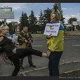 Kremliaus galvažudžiai sadistiškai tyčiojosi iš Ukrainos karius palaikančios moters