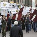 Eitynėse prieš pabėgėlių priėmimą Latvijoje