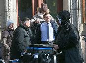 """Vilniuje praeivių žvilgsnius traukė britų kino žvaigždė <b>Martinas Freemanas</b>: BBC filmuoja """"Eichmano šou""""<br>"""