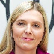 Seimo narė Agnė Bilotaitė greitkelyje partrenkė stirną, rėžėsi į atitvarus ir susižalojo