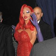 """Pribloškiantį Helovino kostiumą supermodelis Heidi Klum """"rengėsi"""" 10 valandų"""