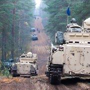 Pentagono vadovai ragina NATO sąjungininkes investuoti į ginkluotę