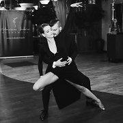 Milanos Jašinskytės studijos gimtadienyje – aistringas šokis su Mindaugu Rainiu