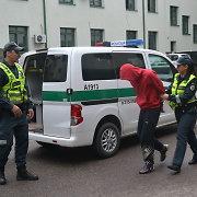 Alytaus policininkai juos papjauti grasinusiam vaikinui atsakė, kad ginsis šūviu
