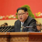 Kim Jong Unas: naujoji Š.Korėjos balistinė raketa gali smogti JAV bazėms Ramiajame vandenyne