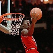 Geriausių visų laikų NBA žaidėjų šimtukas: su M.Jordanu viršuje, bet be lietuvių