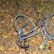 Marijampolės pareigūnės automobilis partrenkė dviratininkę