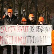 """Vidinė """"Kauno autobusų"""" profsąjungų kova persikelia į viešumą – kilo protestų banga"""