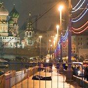 Internete plinta įrašas, kuriame užfiksuotos akimirkos po Boriso Nemcovo nužudymo