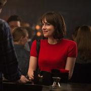 """""""50 pilkų atspalvių"""" žvaigždė Dakota Johnson naujoje komedijoje mokysis, kaip būti vieniše"""