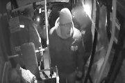 Kauno policija aiškinasi, kas mikroautobuse atsiskaitė padirbtais pinigais