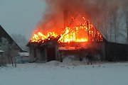 Liudininko nuotraukose – didelio gaisro Daudėlaičiuose vaizdai