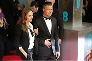 Raudonas kilimas: A. Jolie apranga nustelbė suknelių paradą
