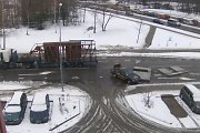 Vilniuje nuo sunkvežimio platformos kritusios plokštės vos nesuplojo taksi