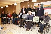 Apdovanoti 10 geriausių šių metų neigaliųjų sportininkų bei jų treneriai