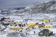 Žemės drebėjimai Nepale neišgąsdino – kopimas į Everestą bus atnaujintas jau kitą savaitę