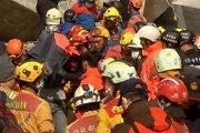 Stebuklas: praėjus 30 val. po žemės drebėjimo Taivane, iš griuvėsių ištraukta gyva pusės metukų mergaitė
