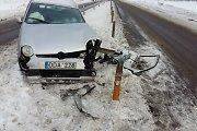 """Avarija Panevėžio rajone: be rato likęs """"Opel"""" įskriejo į griovį, neblaivus vairuotojas pasišalino"""