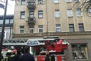 Panevėžyje ugniagesiai išskleidė batutą per langą šokti norėjusiai moteriai