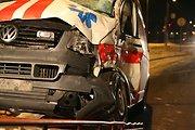 Moters vairuojamas automobilis Kretingoje taranavo du ligonius vežusią greitąją pagalbą