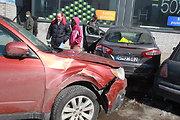 Per avariją Vilniuje apdaužyti penki automobiliai