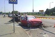 """Kėdainiuose susidūrė trys automobiliai, sužalotą moterį iš """"Audi 80"""" nuolaužų išvadavo ugniagesiai"""