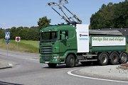 """""""Scania"""" sėkmingai tobulina elektra varomą sunkvežimį"""