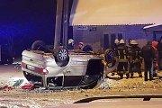 """Panevėžyje apsivertęs """"Ford"""" vairuotojas – neblaivus policijos pareigūnas"""