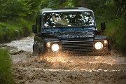 """""""Land Rover Defender"""" į pensiją išeis nuo gamybos pradžios praėjus 67 metams"""