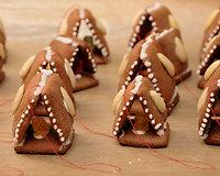 Imbieriniai namukai - jauki kalėdinės eglutės puošmena.