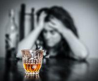 Piktnaudžiaujate alkoholiu? Pasižiūrėkite, kaip atrodysite po 20 metų