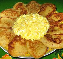 Taupieji pusryčių blynukai su kiaušininiu užtepu