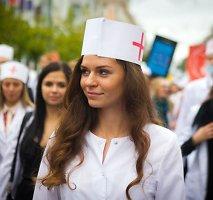 Mokslo pradžią VU studentai šventė žadėdami išgydyti Mantą Kalnietį ir laukdami euro