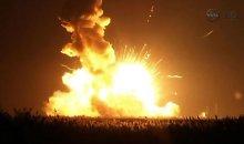 """NASA tyčia susprogdino """"Antares"""" raketą"""