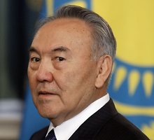 Kazachstano prezidentas N.Nazarbajevas triuškinama persvara laimėjo penktąją kadenciją