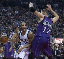 """""""Raptors"""" pergalių serija NBA nutrūko namie, Jonas Valančiūnas atkovojo 13 kamuolių"""