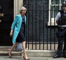 """Britanijos politikai stoja į kovą dėl teisės vadovauti šaliai po """"Brexit"""" referendumo"""