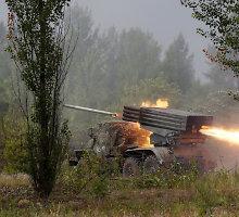 Ukrainos rytuose susirėmimai intensyvėja: daugėja žuvusiųjų, apšaudymų ir Rusijos karinės technikos
