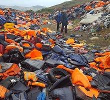 Tragedijos pėdsakai: Lesbo saloje iškalbingos gelbėjimosi liemenių kapinės