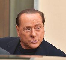 Buvęs Italijos premjeras S.Berlusconi ir vakarėlių merginos bus teisiami bylose dėl prostitucijos ir melo teisme