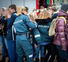 Policininkės poelgis per mokyklos gaisrą Vilniuje sujaudino praeivius