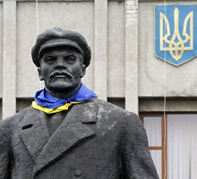 Kijeve nebeliks sovietinių paminklų