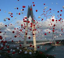 Atidarytas trečiasis tiltas per Bosforo sąsiaurį Stambule
