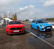 """Du skirtingi """"Ford"""": kada """"Focus RS"""" yra geriau nei """"Mustang""""?"""