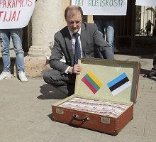 15min skaitytojas: man siūlė pinigų už protestavimą prie Estijos ambasados