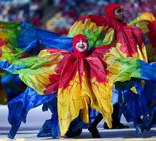 Spalvingu karnavalu uždarytos Rio žaidynės – olimpinė vėliava perduota Tokijui