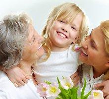 """Prieš Motinos dieną lietuviai """"šlavė"""" keliones mamoms"""