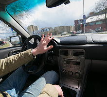 Dėmesio, vairuotojai! Ar žinote, kodėl jums dažnai paskausta nugarą? Komentuoja kineziterapeutas Vytautas Pilelis