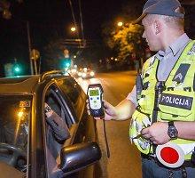 Šokiruojanti statistika: vasarą keliuose šlaistėsi beveik 6 tūkstančiai apsvaigusių vairuotojų