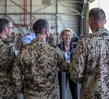 Kelių valstybių lyderiai ragina kurti jungtinę ES armiją
